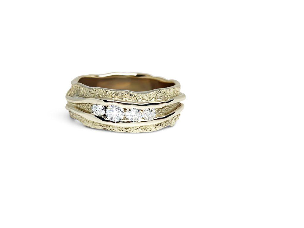 Champagne gouden ring met diamanten