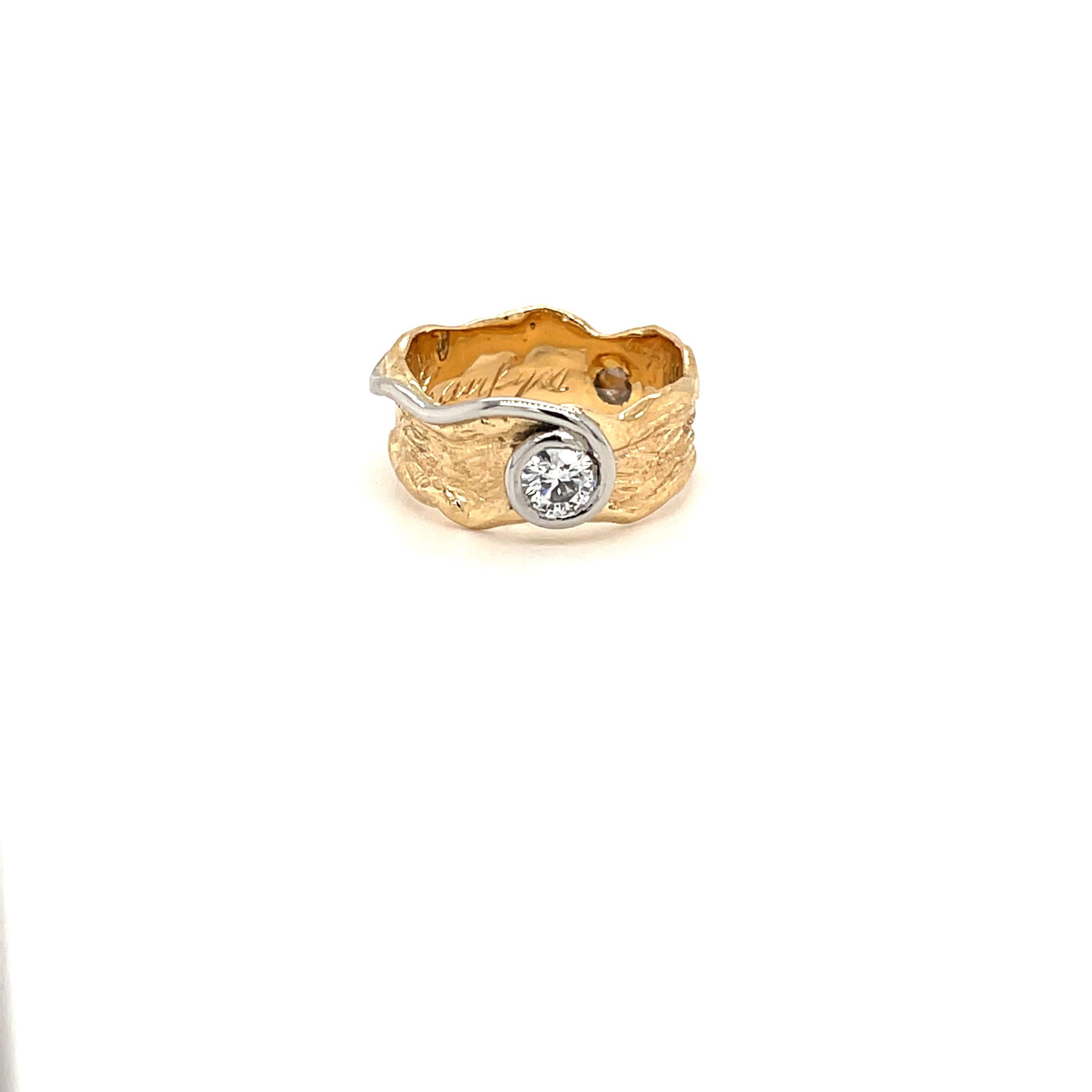 geel gouden ring diamant structuur